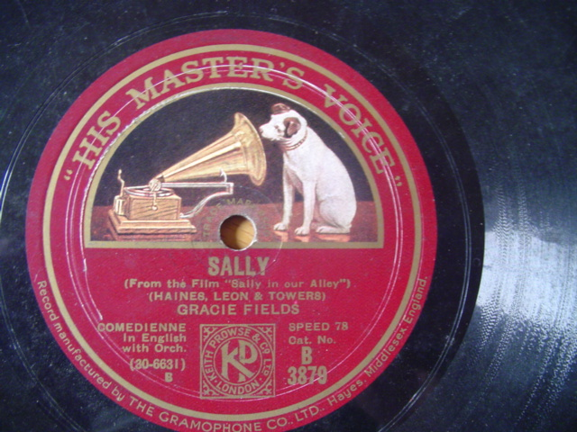 GRACIE FIELDS - SALLY , FALL IN & FOLLOW - HMV