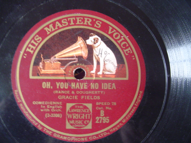 GRACIE FIELDS - HOW ABOUT ME - HMV