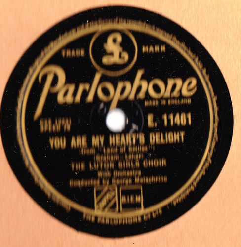 Luton Girls Choir - My heart and I - Parlophone E.11461