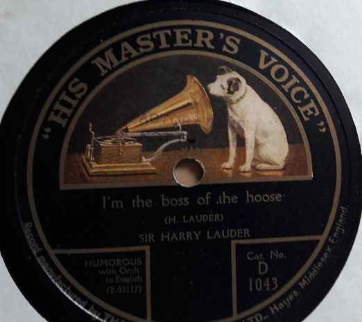 Harry Lauder - I'm the boss of the Hoose - HMV D.1034 E