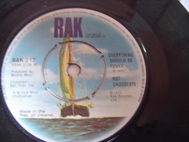 HOT CHOCOLATE - EVERYTHING SHOULD FUNKY - RAK 1975