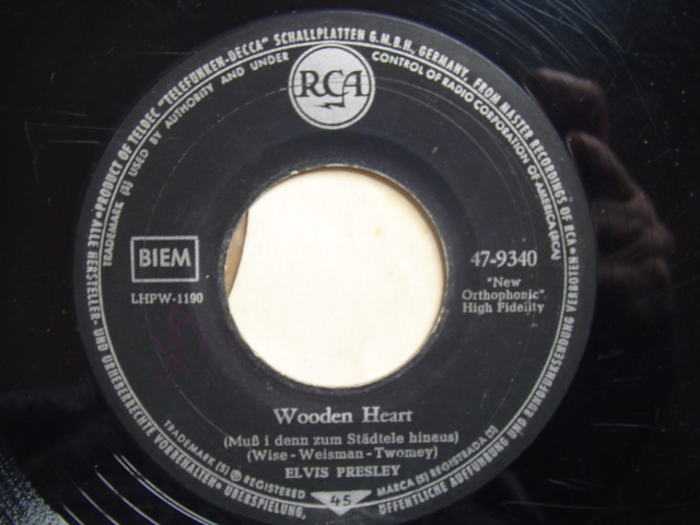 ELVIS PRESLEY - WOODEN HEART - RCA GERMANY { 2321