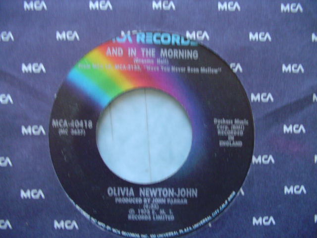 OLIVIA NEWTON JOHN - PLEASE Mr PLEASE - MCA