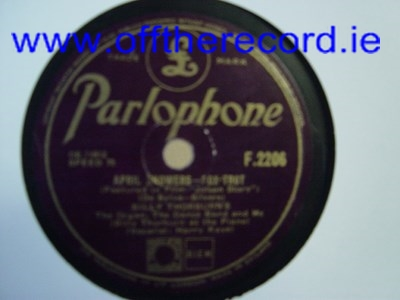 Billy Thorburn - April Showers - Parlophone F.2206 UK