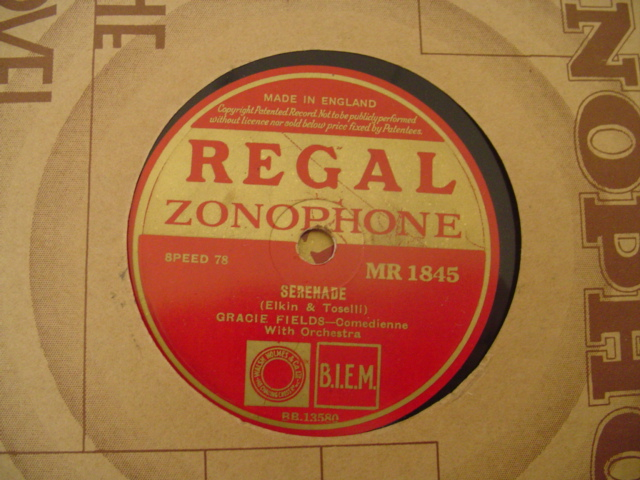 GRACIE FIELDS - SERENADE - REGAL IRISH PRESSING