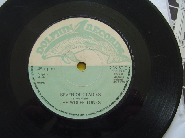 THE WOLFE TONES - SEVEN OLD LADIES - DOLPHIN DOS 59