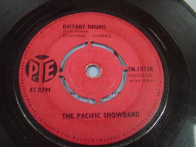 The Pacific Showband - DISTANT DRUMS - PYE UK { 310