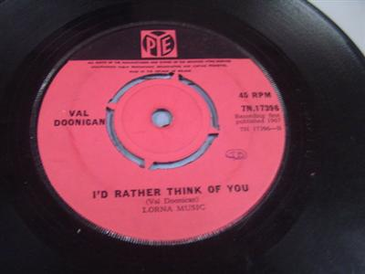 VAL DOONICAN - IF WHOLE WORLD STOPPED LOVIN - PYE { IP 313