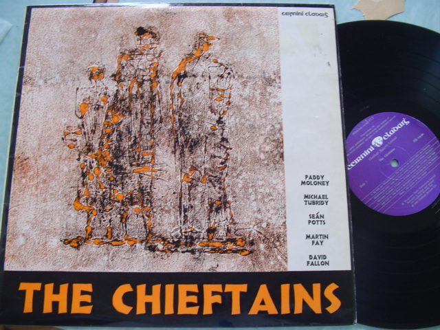 THE CHIEFTAINS - SELF TITLE - CLADDAGH RECORDS