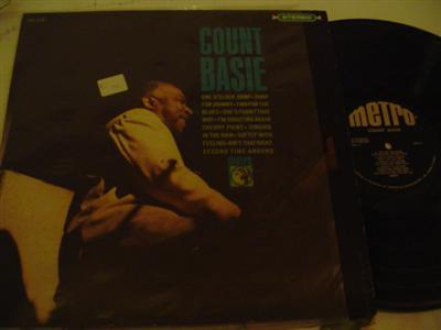 COUNT BASIE - SELF TITLE - METRO RECORDS { J 807