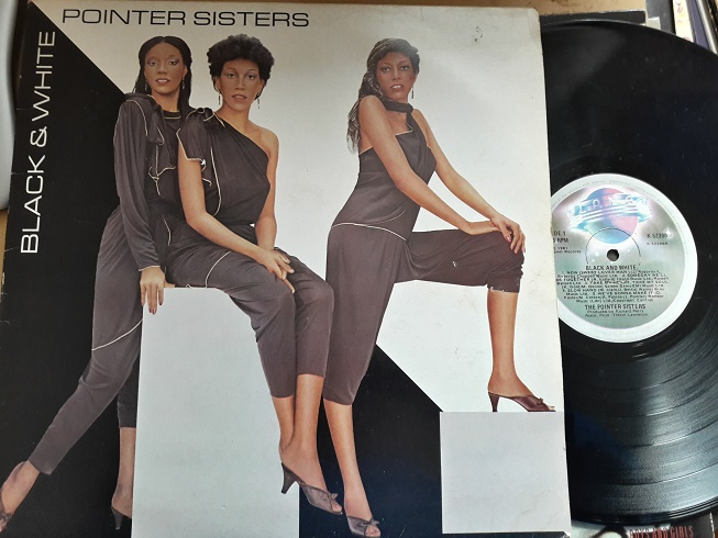 The Pointer Sisters - Black and White - Planet K.52300 UK 1981
