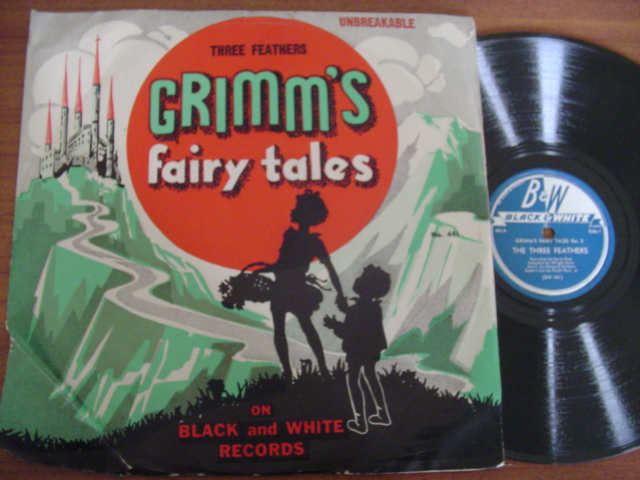 GRIMMS FAIRYTALES - THREE FEATHERS - BLACK & WHITE 2120