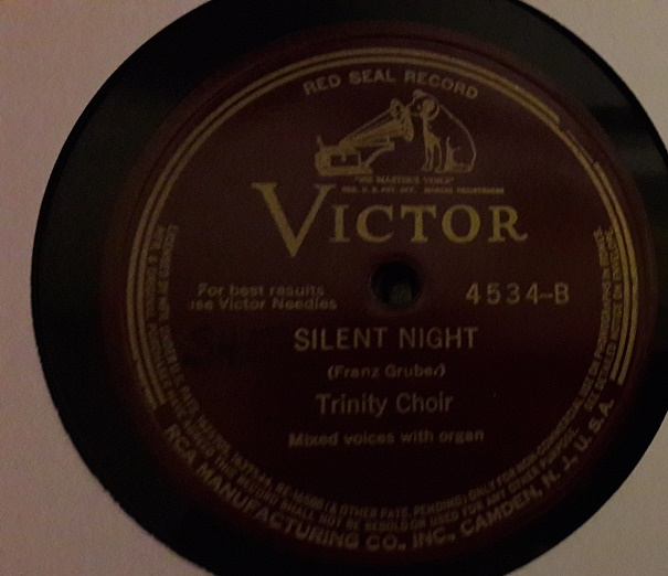 Lucy Isobel March - Holy Night / Silent Night - Victor 4534 USA