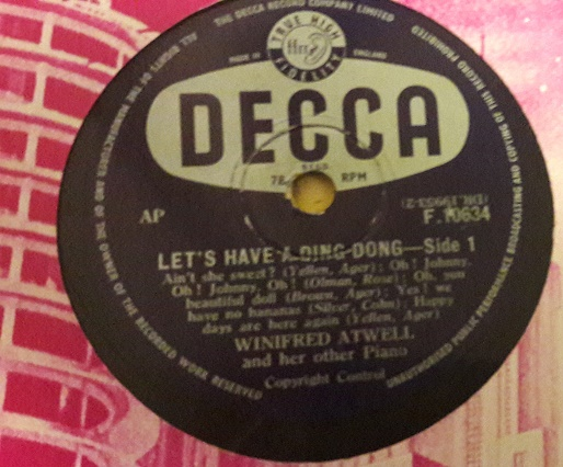 Winifred Atwell - Lets have ding dong - Decca F.10634 UK