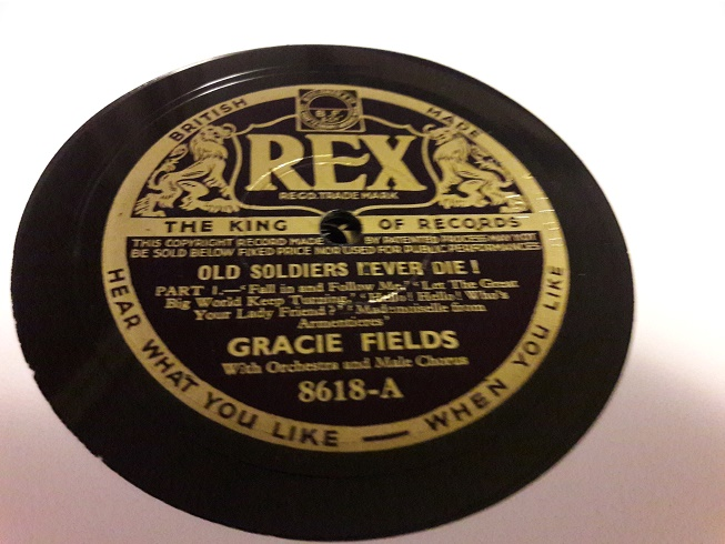 Gracie Fields - Old Soldiers never die - Rex 8618 E+