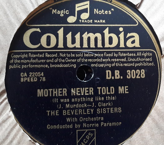 Beverley Sisters - Mother never told me - Columbia DB.3028 E++