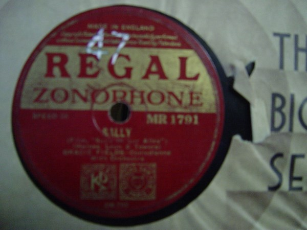 Gracie Fields - Sally - Regal MR 1791