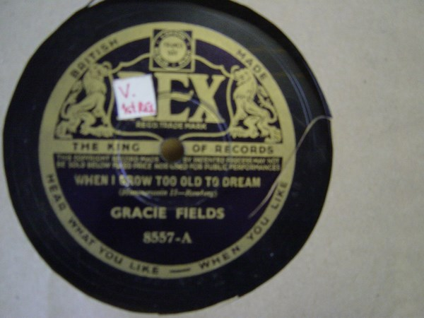 Gracie Fields - When I grow too old to dream - Rex 8557