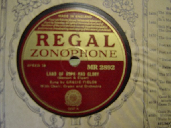 Gracie Fields - The Holy City - Regal MR 2892
