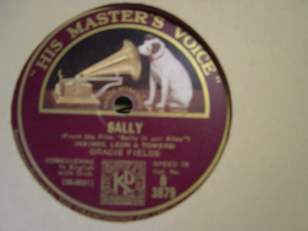Gracie Fields - Sally - HMV B.3879 UK
