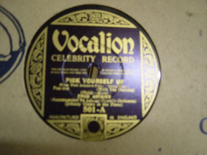Fred Astaire - Pick yourself up - Vocalion 501