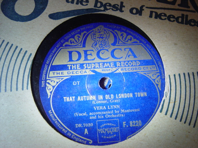 Vera Lynn - That Autumn in Old London Town - Decca F.8220