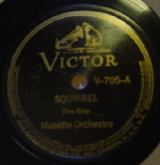 Musette Orchestra - Squirrel / Railway - Victor V-705 USA