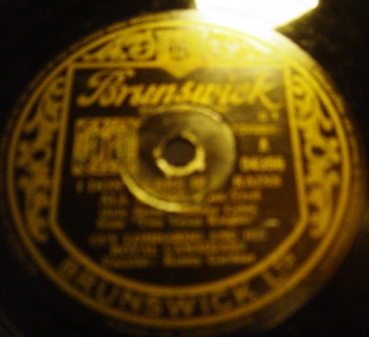Guy Lombardo - I don't care if it rains Night - Brunswick 04356