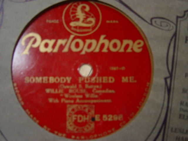 Willie Rouse Comedian - Somebody pushed me - Parlophone E.5298