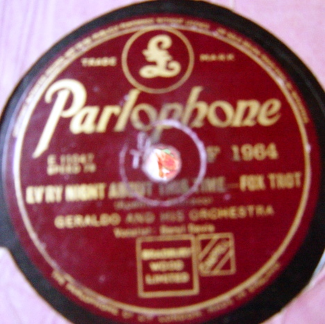 Geraldo & Orchestra - I met her on Monday - Parlophone F.1964