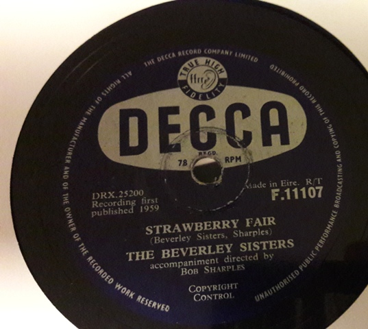 Beverley Sisters - Little Drummer Boy - Decca F.11107 Irish