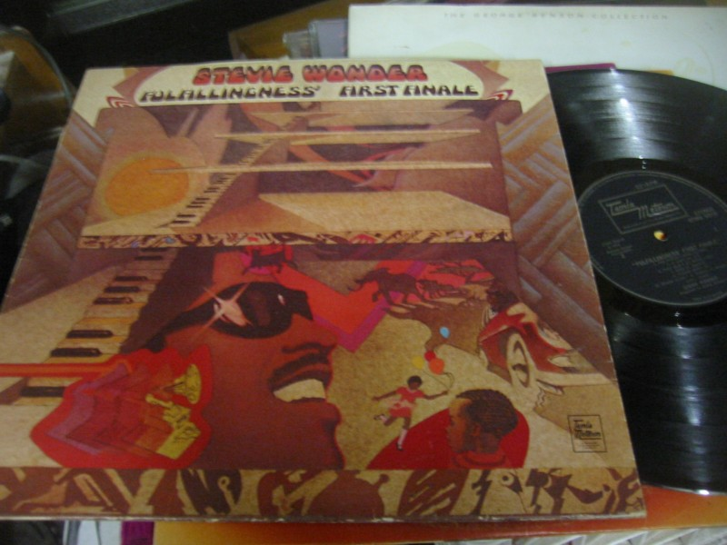STEVIE WONDER - FULFILLINGNESS FIRST - TAMLA UK 1974