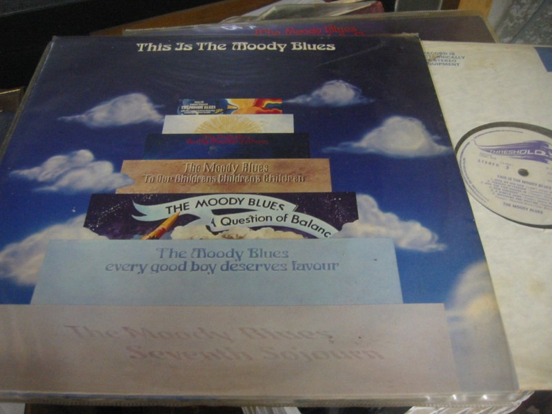 MOODY BLUES - THIS IS - THRESHOLD 1974 UK