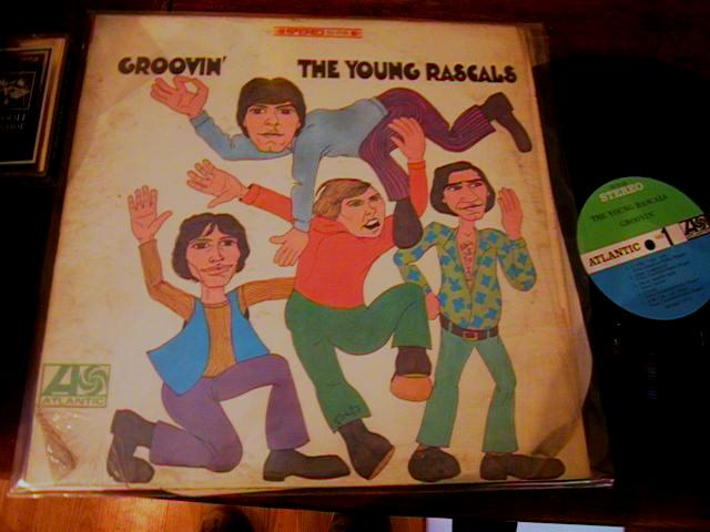 THE YOUNG RASCALS - GROOVIN' - ATLANTIC { AF 84