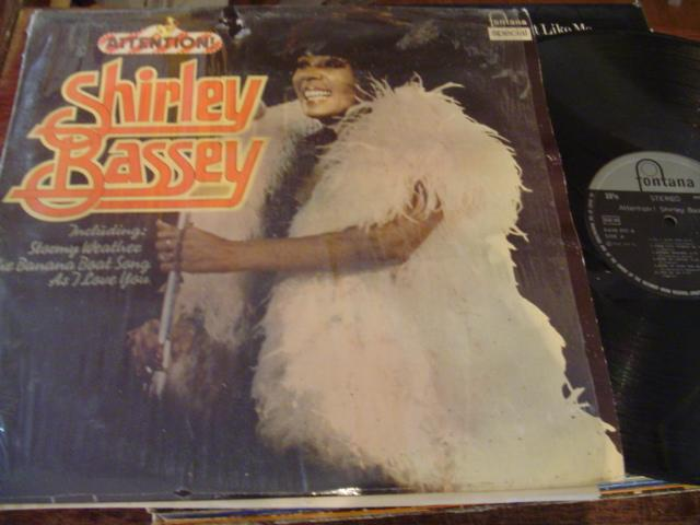 SHIRLEY BASSEY - ATTENTION - FONTANA 1976 - F 2