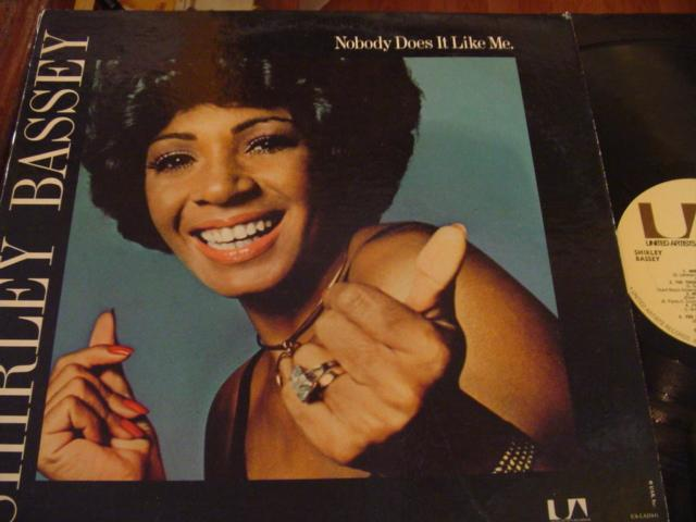 SHIRLEY BASSEY - NOBODY DOES IT LIKE ME - UA 1974 - F 3