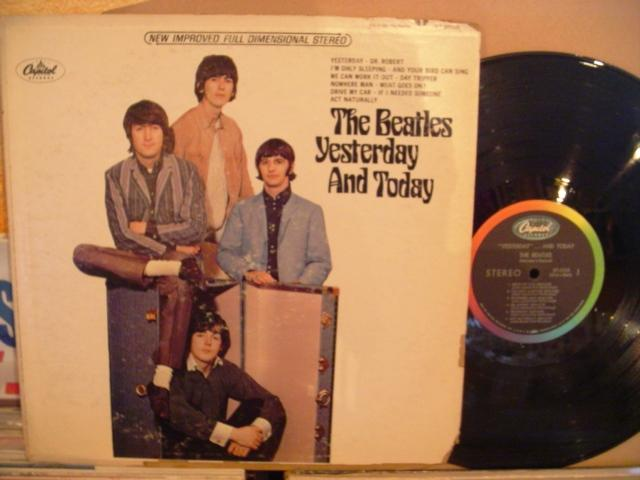 THE BEATLES - YESTERDAY & TODAY - CAPITOL USA AF 1399