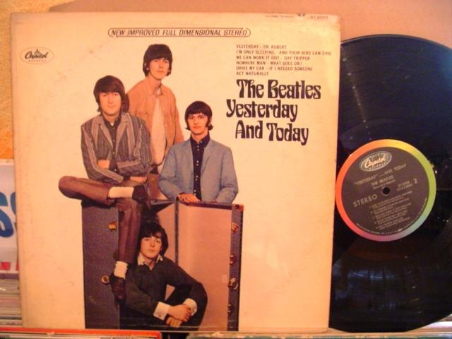THE BEATLES - YESTERDAY & TODAY - CAPITOL USA { 1438