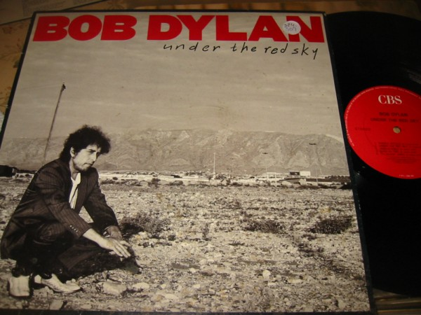 BOB DYLAN - UNDER A RED SKY - CBS UK { Z 324