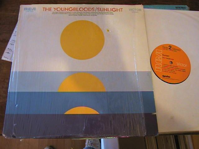 YOUNGBLOODS - SUNLIGHT - RCA { AF 275