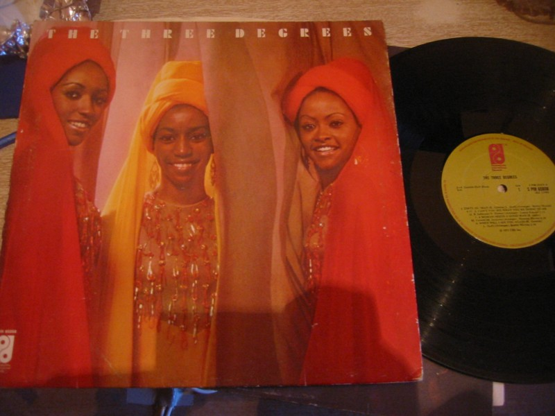 THE THREE DEGREES - SELF TITLE - PHILADELPHIA 1973 UK