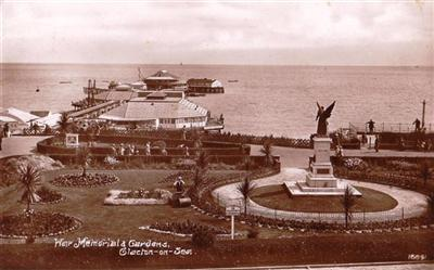 Clacton on Sea - War Memorial Gardens - Real Photo