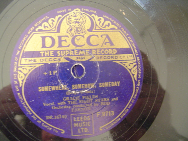 GRACIE FIELDS - AT THE END OF DAY - DECCA
