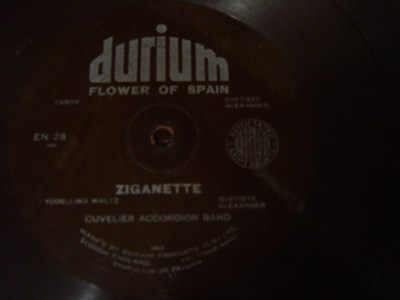 Cuvelir Accordion Band - Ziganette - Durium EN 28 Flexidisc