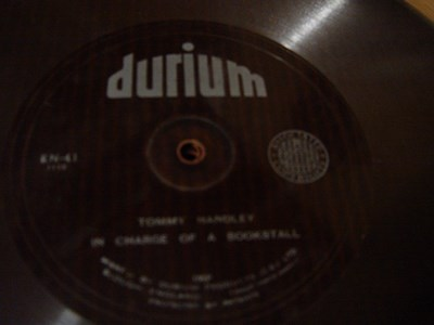 Tommy Handley - In charge of a Bookstall - Durium EN- Flexidisc