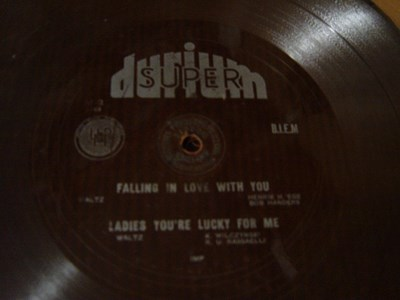 Durium Dance Band - Falling in love - Durium M-2 Flexidisc - Click Image to Close