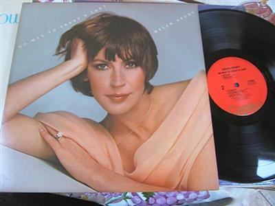 HELEN REDDY - NO WAY TO TREAT LADY - CAPITOL { FV 154