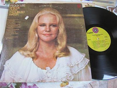 PEGGY LEE - BRIDGE OVER TROUBLED WATER - CAPITOL [ FV 139