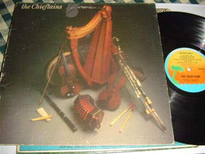 THE CHIEFTAINS - 5 - ISLAND { 212