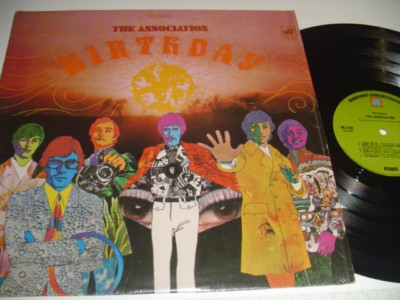 THE ASSOCIATION - BIRTHDAY - WARNER { 520